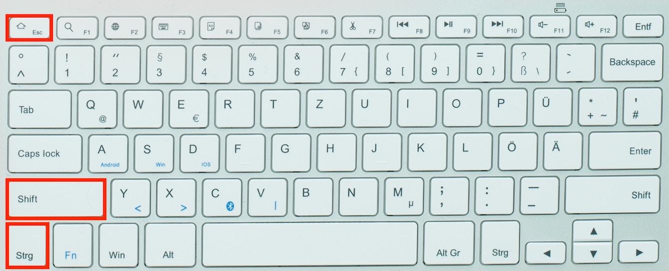 Die Taste Strg Shift Esc auf einer Tastatur markiert