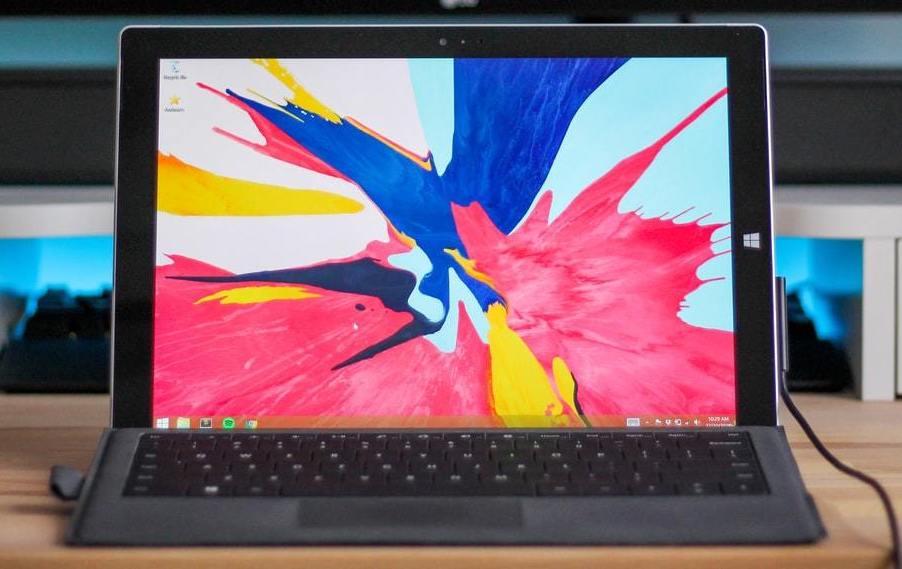 Ein Notebook der Surface-Reihe