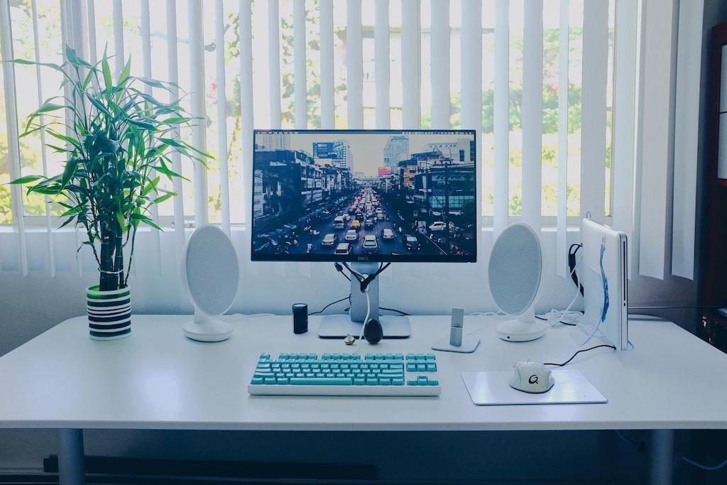 Computer mit Windows 10 und Bildschirmschoner